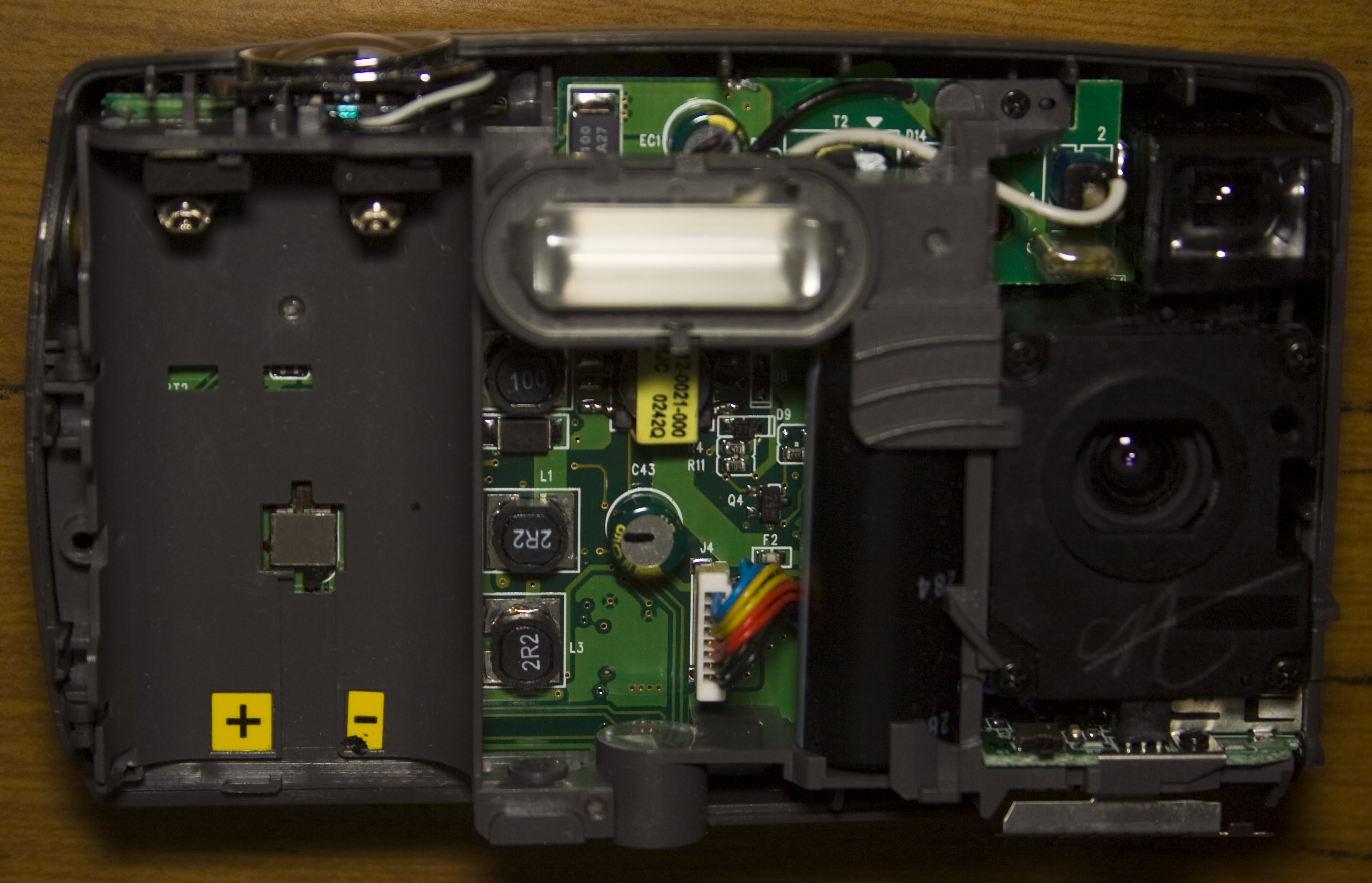 Inside The Kodak Easyshare Cx4200 2mp Digital Camera Insidegadgets Flash Circuit Further Disposable Weve Got Top Side Which Has Aa Battery And Bottom A Casio Lcd Its Two Board Construction With Small